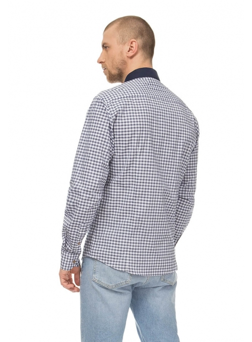 Casual single-colored shirt